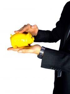 A hiteligénylés KHR- listás személyeknek is lehetséges?