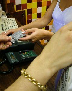 A hitelkártya esetében a pénzfelvétel külföldön is lehetséges?