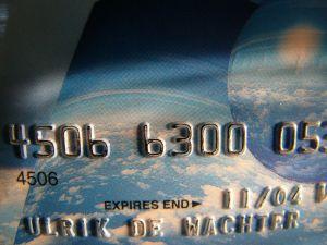 Milyen feltételei vannak a külföldi hitelkártya igénylésnek?